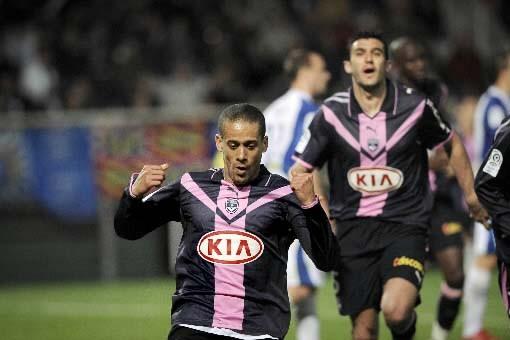 Bordeaux s'est emparé de la première place du... (Photo: AFP)