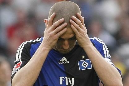 Mladen Petric a de quoi se tenir la... (Photo: AP)