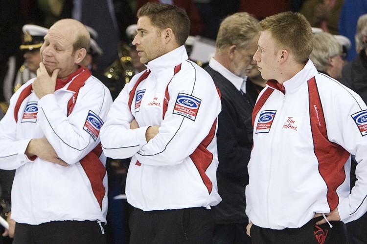 Les membres de l'équipe du Canada, Kevin Martin,... (Photo Reuters)