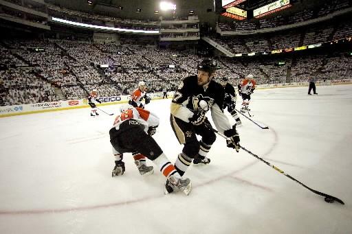 Il y a un an, les Flyers de Philadelphie sont passés de pire... (Photo: AFP)