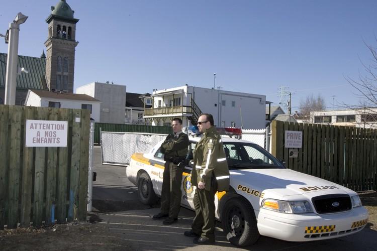 Les policiers ont fouillé neuf endroits à Sorel,... (Photo: Alain Roberge, La Presse)