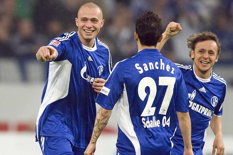 Schalke 04, revigoré depuis le licenciement de Fred Rutten, a... (Photo: AP)