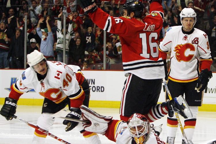 Les Flames prétendent qu'Andrew Ladd a commis de... (Photo: AP)