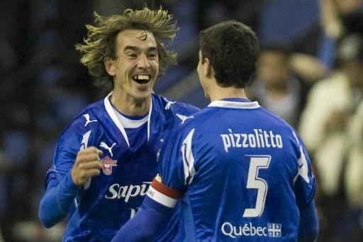 Sur un terrain de soccer, Eduardo Sebrango... (Photo: André Pichette, La Presse)