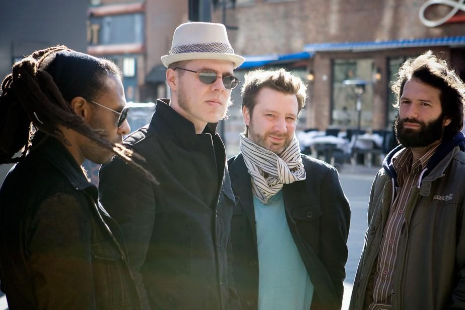 Paul Cargnello (deuxième à gauche) présente son album... (Photo: André Pichette, La Presse)