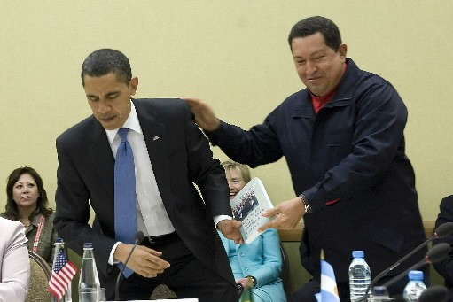 Hugo Chavez a dit en anglais à Barack... (Photo: AFP)