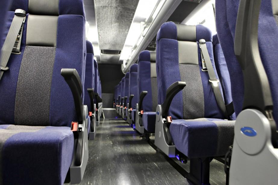 Les nouveaux autobus Greyhound assurant la liaison... (Photo: Bloomberg News)