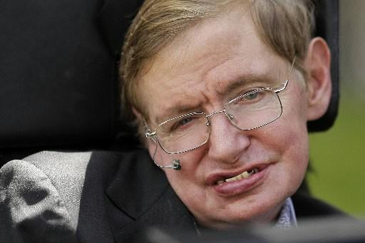 L'astrophysicien britannique Stephen Hawking est atteint de sclérose... (Photo: AFP)
