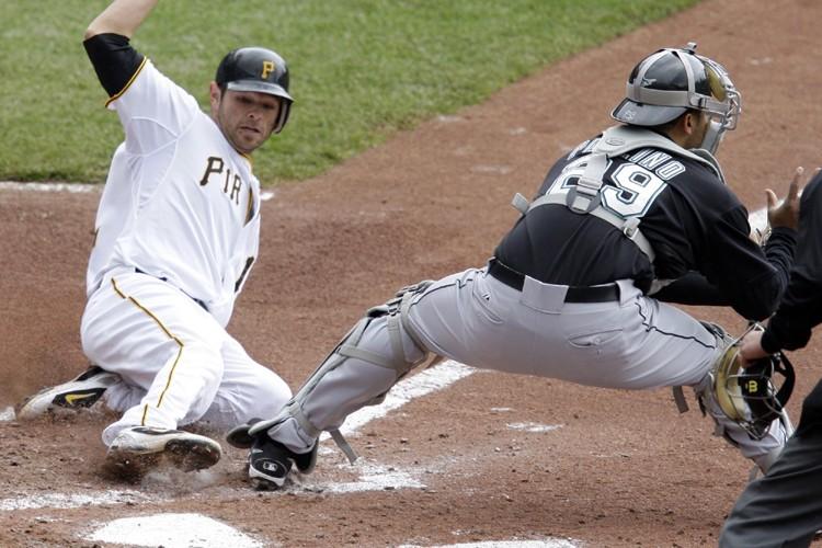 Freddy Sanchez est venu marquer sur un simple... (Photo: AP)