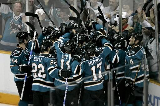 Les succès répétés des Sharks en saison régulière les forcent... (Photo: AP)