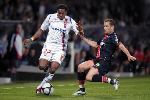 Le Paris SG a contribué à freiner Lyon... (Photo: AFP)