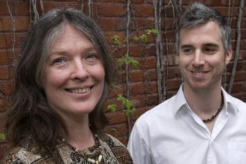 Karen Young et le bassiste Éric Auclair... (Photo Robert Skinner, La Presse)