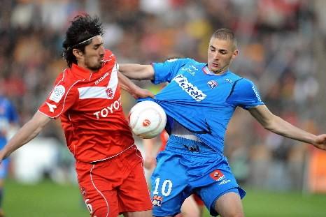 Avec une 7e défaite cette saison, Lyon garde... (Photo: AFP)
