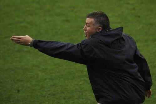Malgré la défaite, l'entraîneur a tout de même... (Photo: Bernard Brault, La Presse)