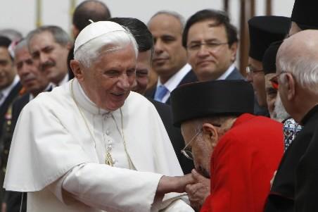 Le pape Benoît XVI a exprimé son «profond respect» pour la... (Photo: Reuters)
