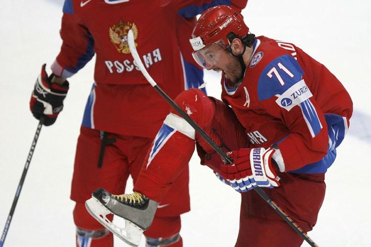 Ilya Kovalchuk célèbre après avoir marqué le premier... (Photo: Reuters)