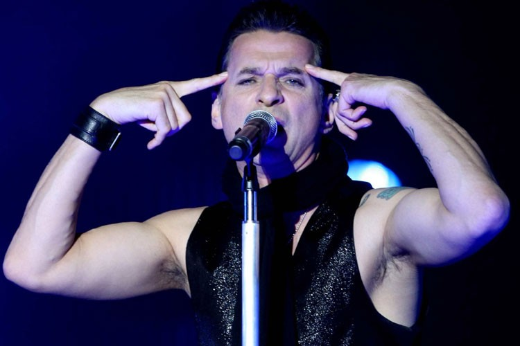 Le chanteur de Depeche Mode, Dave Gahan... (Photo: AFP)