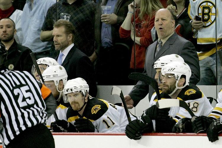 Claude Julien et les Bruins espèrent compléter leur... (Photo: AP)