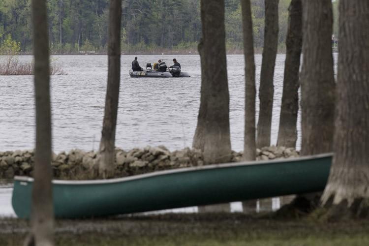 Les plongeurs de la Sûreté de Québec ont... (Photo: Robert Skinner, La Presse)