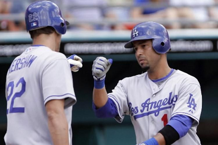 Juan Castro (à droite) et Clayton Kershaw, des... (Photo: AP)