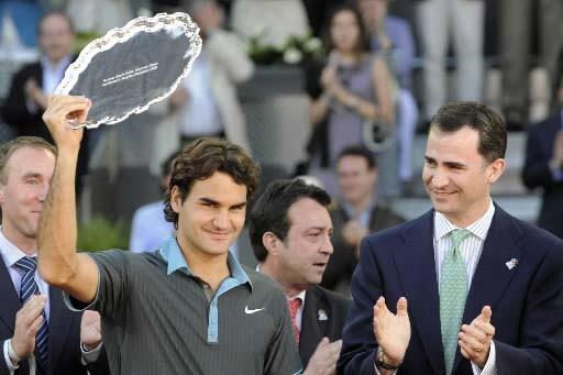 Roger Federer après sa victoire à Madrid.... (Photo AP)