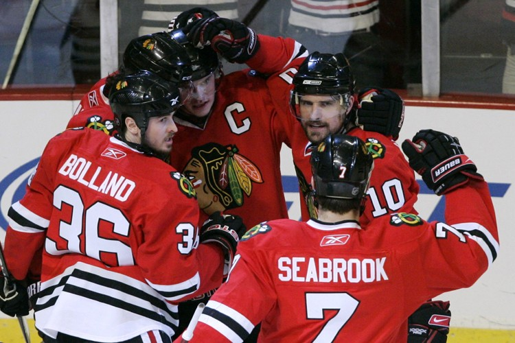 Patrick Sharp a marqué son septième but des séries à 1:52 de... (Photo: Reuters)