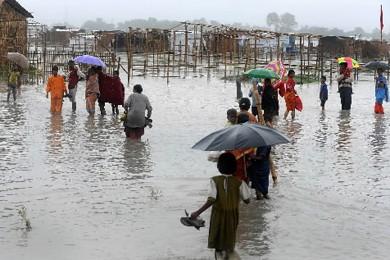 Le puissant cyclone Aila qui a balayé lundi les côtes Sud du... (Photo: AFP)