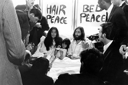 Yoko Ono et John Lennon lors de leur... (Photo: archives La Presse)