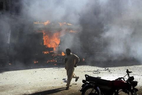 Une explosion à Peshawar... (Photo: AP)