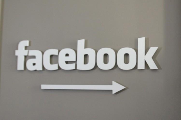Bien difficile de réglementer l'internet, disent plusieurs. Eh... (Photo: AP)