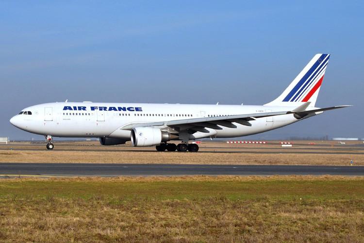 Un Airbus 330, photographié à l'aéroport Paris-Charles de... (Photo: AFP)