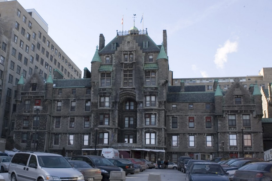 Une équipe de l'hôpital Royal Victoria a mis... (Archives La Presse)