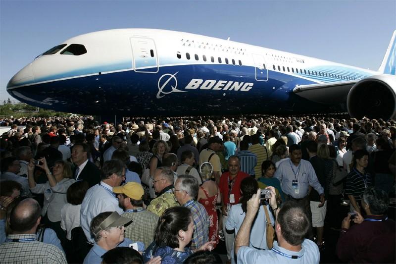 Un 787 Dreamliner de Boeing... (AP)