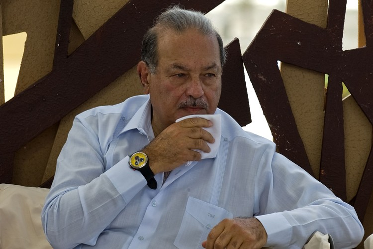 Carlos Slim... (Photo: AFP)
