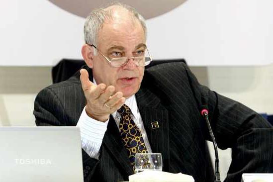 Konrad von Finckenstein, président du CRTC... (Photo: PC)