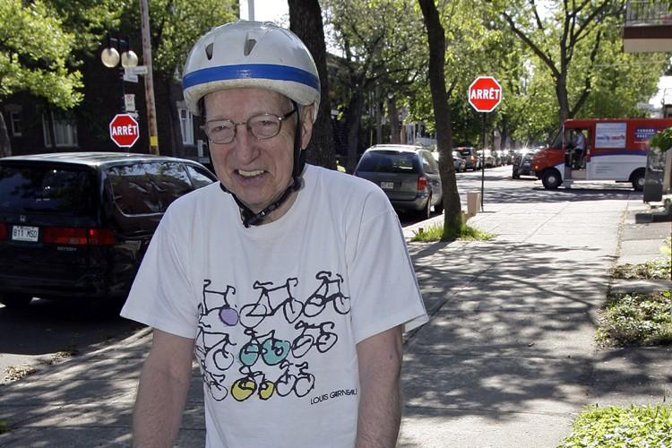 Âgé de 79 ans, Jules Leblanc enfourche sa... (Photo: Robert Mailloux, La Presse)