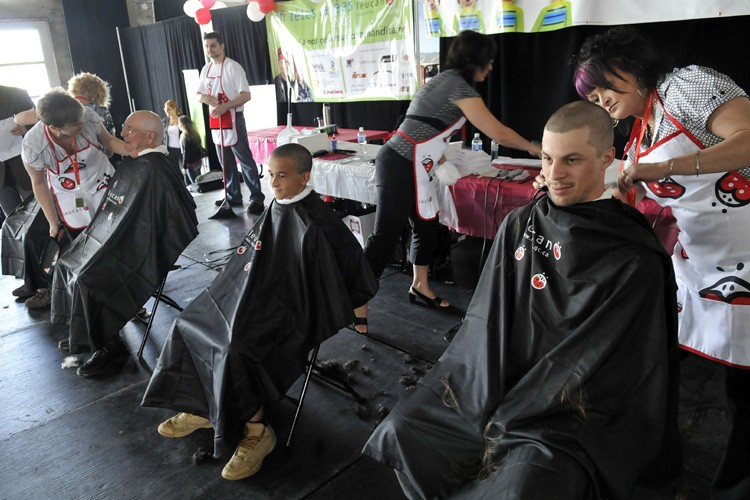 Plus de 7400 personnes se sont fait raser la tête,... (Photo: Le Quotidien)