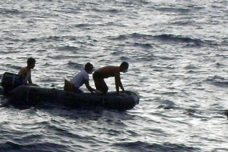 Six nouveaux corps ont été repêchés dans l'océan... (Photo: Reuters)