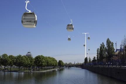 La construction de télécabines au-dessus du... (Photo: fournie par Skylink)