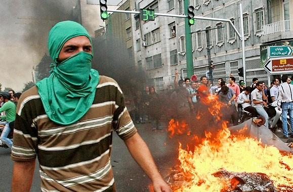 Où s'en va l'Iran? Quel sera le dénouement de ce drame qui se... (Photo AP)