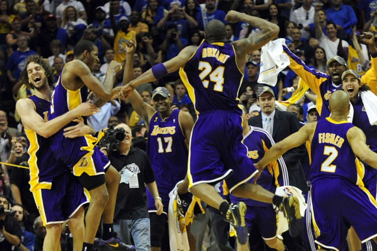 Les Lakers de Los Angeles ont remporté le 15e titre de l'histoire... (Photo: AFP)