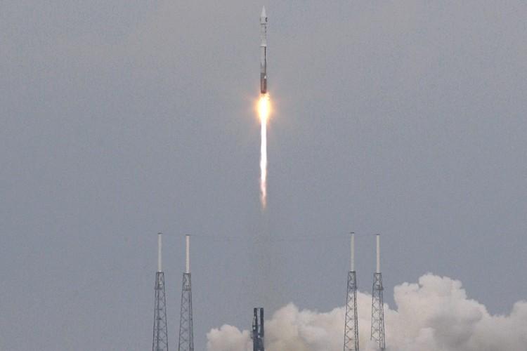 La fusée Atlas V s'est arrachée de son... (Photo: AFP)