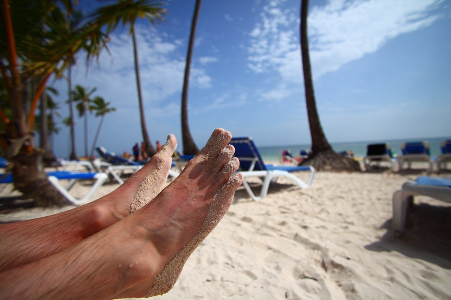 Les pieds dans le sable de l'hôtel Barcelo... (Photo: David Boily, La Presse)