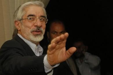 Le candidat défait aux présidentielles iraniennes, Mir Hossein... (Photo: AFP)