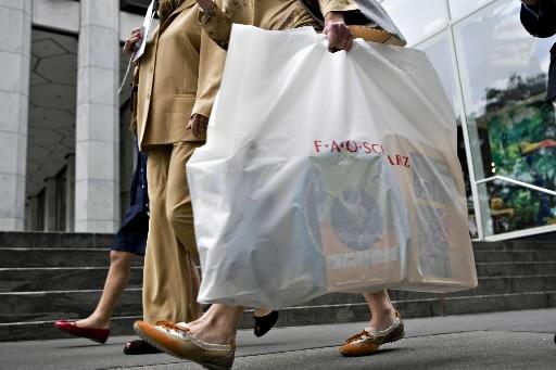 Les dépenses de consommation des ménages aux États-Unis ont... (Photo: Bloomberg)