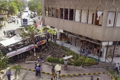 Façade de l'hôtel Sheraton, à Karachi, où un... (Photo: AFP)