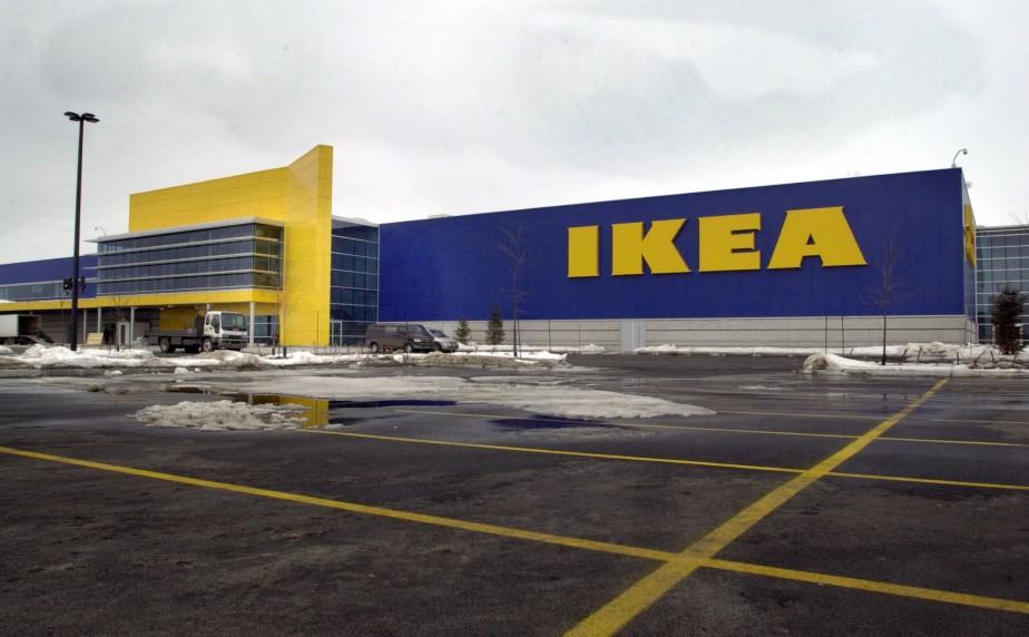 Le géant du meuble suédois Ikea a supprimé... (Photo Pierre Côté, La Presse)