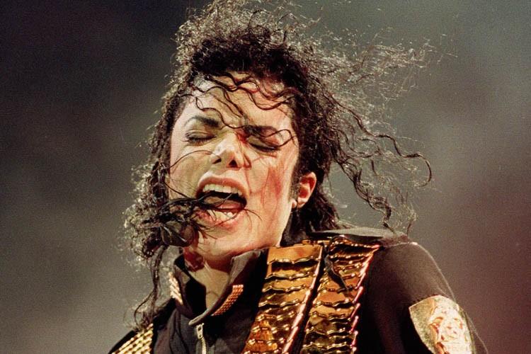 Michael Jackson en 1993.... (Photo: AP)