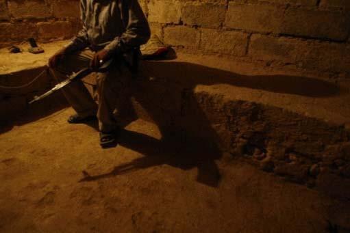 Un membre de la milice des sahwa dans... (Photo AFP)