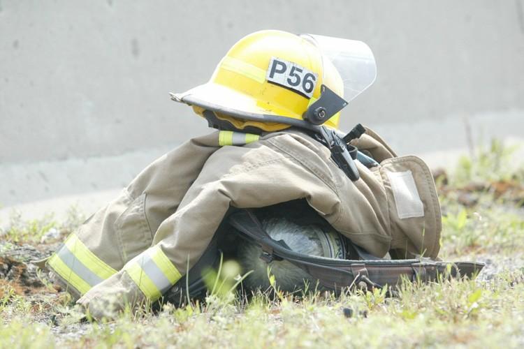 Un automobiliste est mort samedi dans un feu de forêt qui... (Archives, LeDroit)